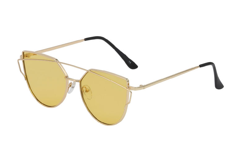 Fræk guldsolbrille i cateye look med gule linser - Design nr. 3423 91cf3d5aca0c6